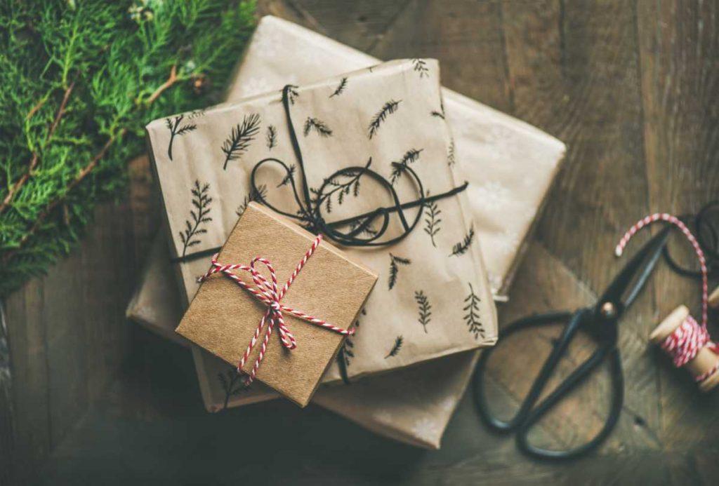 Geschenk zu Weihnachten, pixabay_yvettefang0604