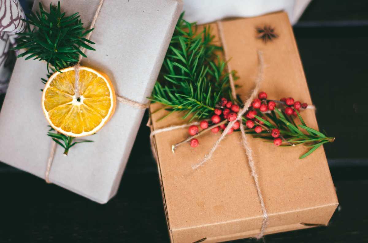 Weihnachtsgeschenk, pixabay_StockSnap