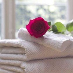 Übernachtung Hotel, Handtücher, pixabay_TesaPhotography